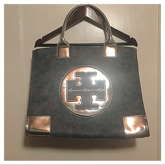5938c75beae  Tory Burch  Metallic Wool Foldable Tote. M 5a6295968290af1546037d50